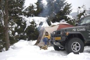kampvuur in sneeuw DSC_6166-min
